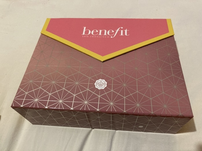 Glossybox - Benefit Limited Edition 2020