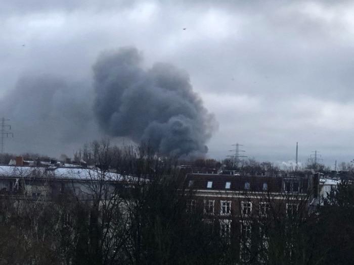 Großfeuer in Hamburg-Wilhelmsburg - Beitragsbild